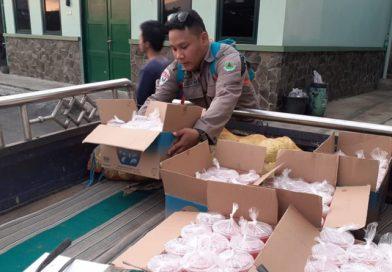 Aksi Pramuka Peduli, DKC Kota Salatiga bagi takjil On The Road
